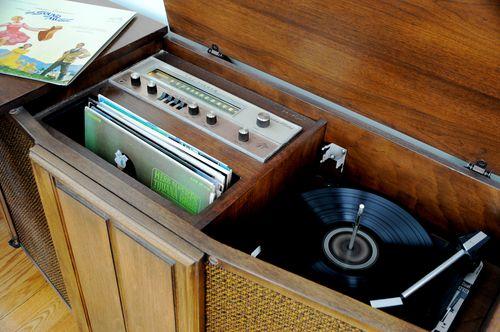 Vintage Hi-Fi Stereo Cabinet