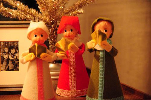 vintage japan christmas carolers